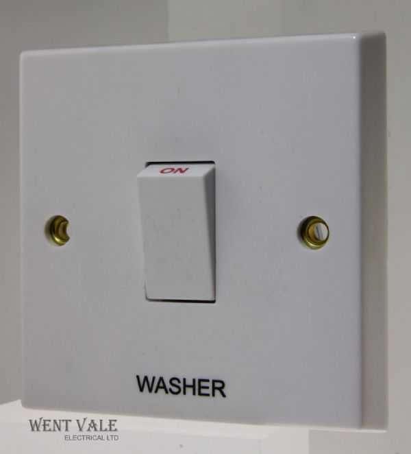 "Volex - VX1070-WR - 20a White Moulded Double Pole Switch Marked ""Washer"""
